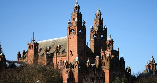 Visit beautiful historical castles in Glasgow during your next trip to Scotland.