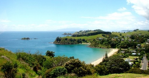Your New Zealand vacation includes a tour of Waiheke Island.