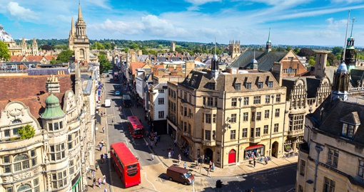 Explore the scenic centre of Oxford on your trip to England