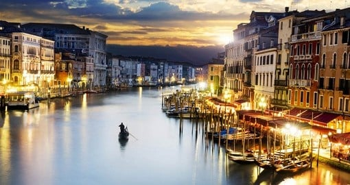 Have an amazing boat ride on Grande canal at sunset during your next Italy tours.