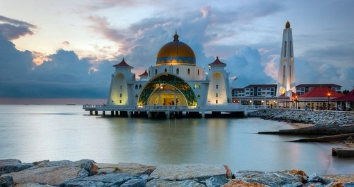 Visit the beautifully crafted Malacca Mosque on one of your Malaysia Tours