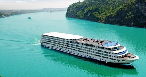 Explore Yangtze Cruiseship on your next China vacations