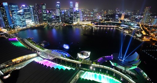 You Singapore vacation package includes a night tour of this wonderful city.