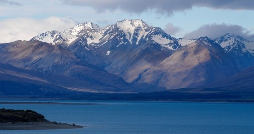 Discover Pristine Lake Tekapo and enjoy beauty of the nature during your next New Zealand vacations.