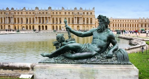 I highlight of your Paris Tour is a visit to the elegant Palace of Versailles