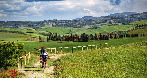Spend a day biking through Tuscany on your Italy Tour