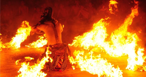 Watch beautiful traditional fire Dance at the Cliff Temple during your next Bali vacations.