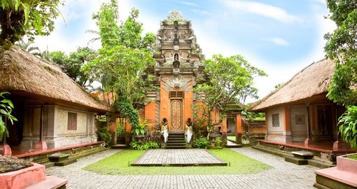 Your Bali vacation package includes a visit to Ubud Palace