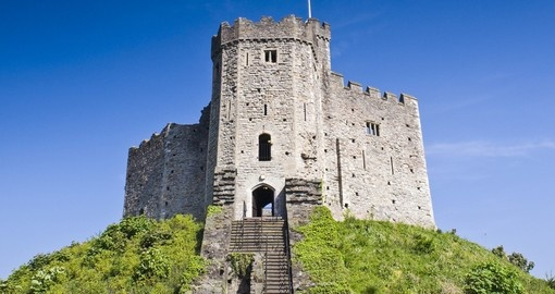 Explore Cardiff Castle on your next England Vacations