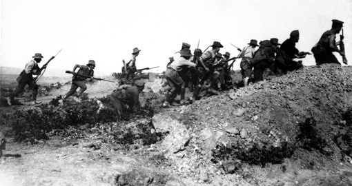 Australian WWI troops charging near a Turkish trench. 1915