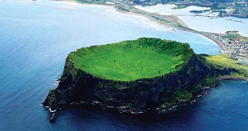 Enjoy the unique geography of Jeju island on your trip to Korea