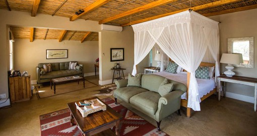 Karoo Suites have a fireplace, air-conditioning and luxury en-suite bathroom