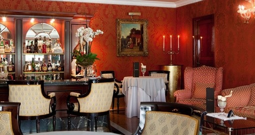 Experience all the amenities of the Luna Hotel Baglioni during your next Italy vacations.