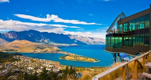 Experience Lake Wakatipu from air during your next New Zealand vacations.