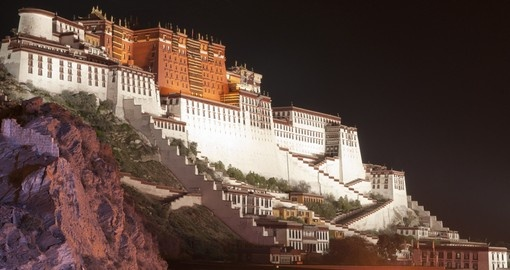 See the important Potala Palace on your China Tour