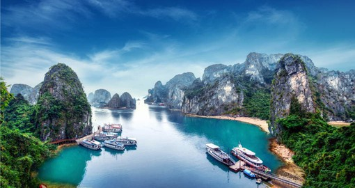 An overnight stay on Ha Long Bay is a highlight of your vacation in Vietnam