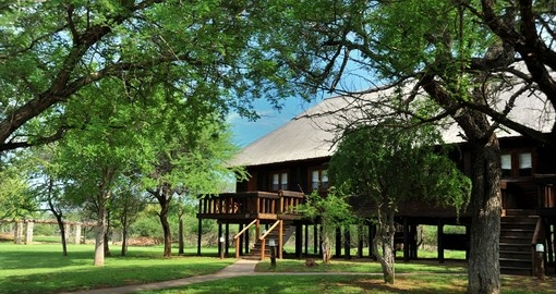 Enjoy your time at leisure in Family suite of the Karongwe River Lodge during your next South Africa vacations.
