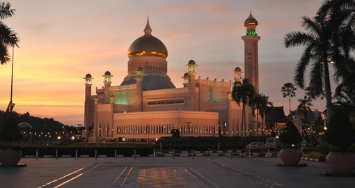 Enjoy traditional mosques on your trip to Brunei