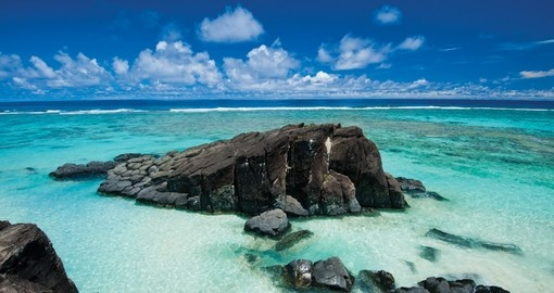 Explore amazing beaches on your Cook Islands vacation