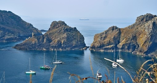 Visit beautiful Island in the southwestern English Channel during your England vacations.
