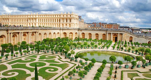 Louis XIV first came to Versailles in October 1641 to escape a smallpox epidemic
