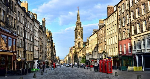 Stroll down the Royal Mile in Edinburgh and experience both history and culinary delights on your Trip to Scotland