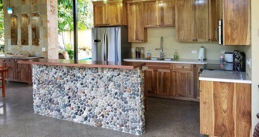 Take advantage of the well equipped kitchen or enjoy breakfast in the Rancho