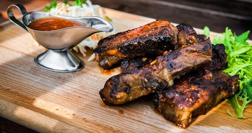 Pork ribs with sauce