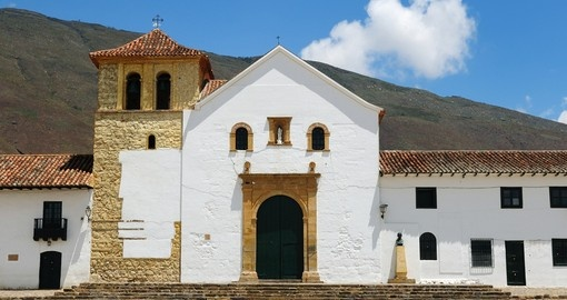 Enjoy beautiful colonial architecture on your Colombia Tour