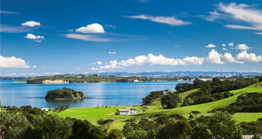 Enjoy the mix of luxury and nature on Waiheke Island during your Australia Vacations.