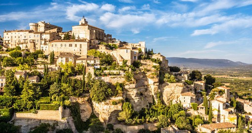 Discover the charming hilltop villages of Provence