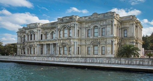 You will see the Beylerbeyi Palace during your vacation in Istanbul
