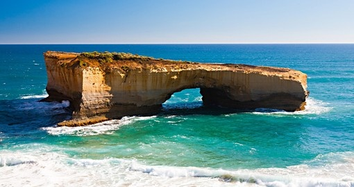 You have to see London Arch and its surroundings in Great Ocean Road during your next Australia vacations.