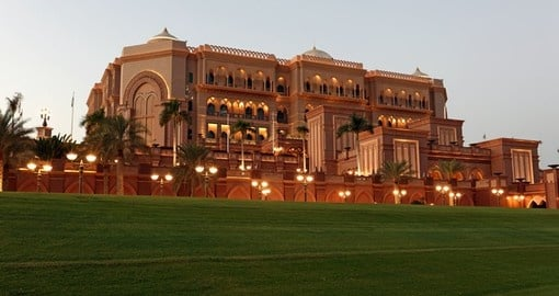 Explore Emirates Palace in Abu Dhabi