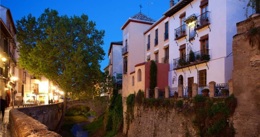 Carrera del Darro traces the course of the little River Darro through Granada