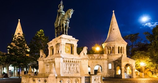 Experience moonlight sonata in Budapest during your next Europe vacations.