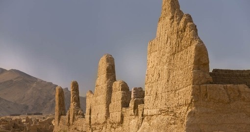 Explore ancient ruins on your China Tour