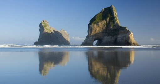 Explore Archway Islands during your next New Zealand vacations.