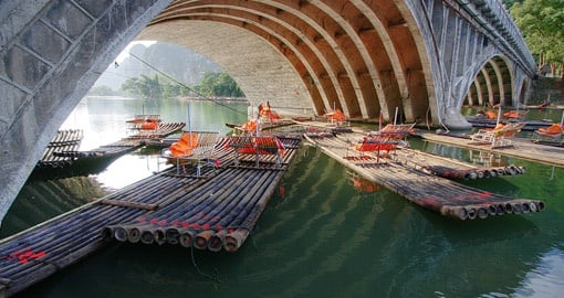 Bamboo rafts for fishing and sightseeing on the Li River