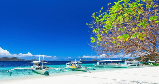 Stroll the beaches of Boracay on your Philippine vacation