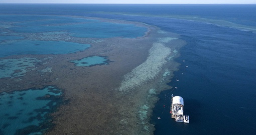 Cruise on heart-shaped Hardy Reef