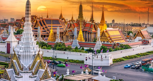 Enjoy beautiful traditional buildings on your Thailand Tour