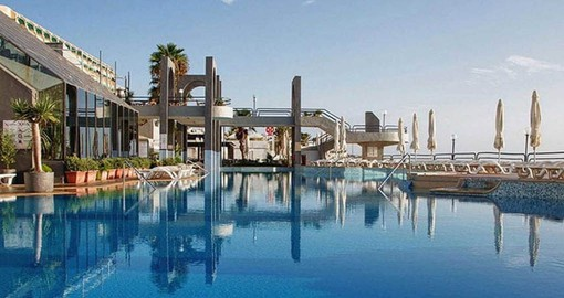 Seashells Resort is located on the seafront with fantastic views of the Mediterranean