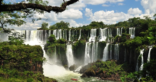 Marvel at Iguassu Falls on your Argentina tour