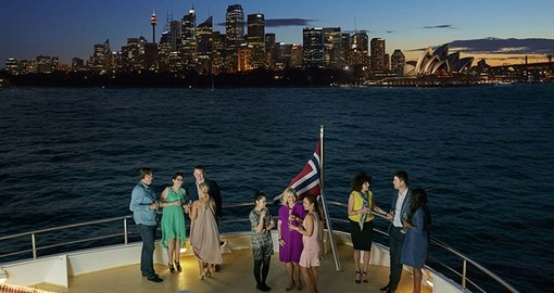 A dinner cruise on Sydney Harbour is sure to be a highligh of your Australia Vacation