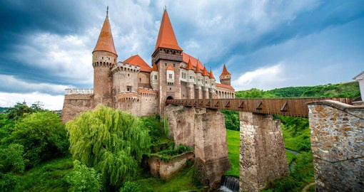 The most spectacular Gothic-style castle in Romania, Corvin was built by the Anjou family in the mid 14th century