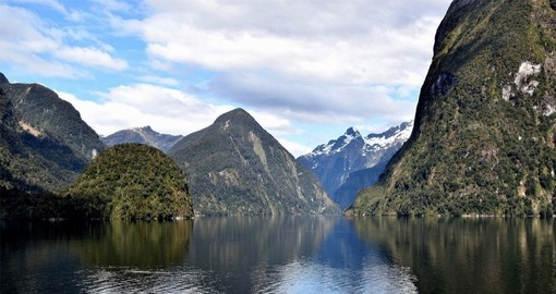 Visit magnificent glacier carved Doubtful Sound on your New Zealand Vacation