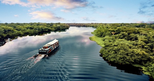 Enjoy a beautiful cruise in the vessel Aria Amazon on your Peruvian vacations.