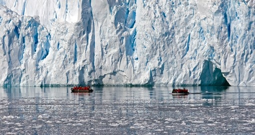 With small boats bringing you up close to the massive icebergs, zodiac tours are included on your Antarctica Cruise