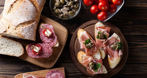 Enjoy new flavours on your trip to Spain
